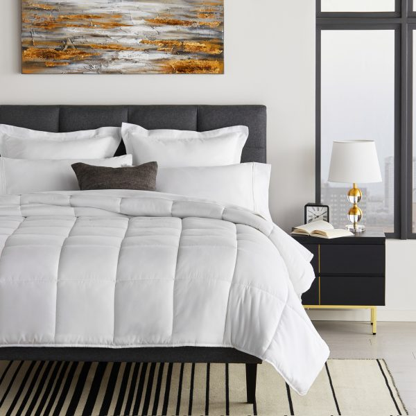 bed with Down Alternative Microfiber Comforter