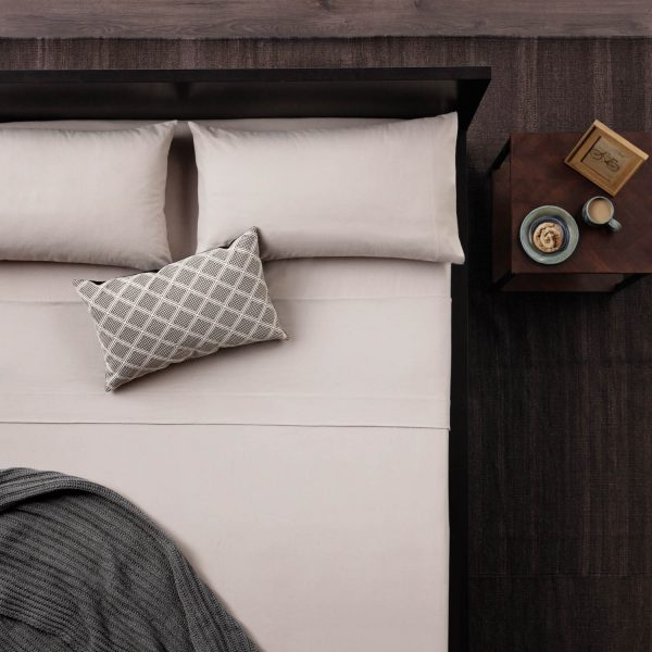 bed made with Malouf Woven ™ Portuguese Flannel Sheet Set - Oatmeal